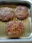 Hamburger fript in grill zepter