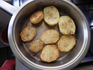 cartofi ca la cuptor, preparati in vas zepter.