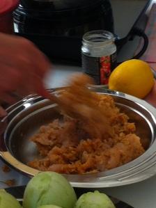 amestec de carne cu orez pentru umplut dovleceii.
